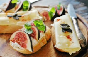 cheese and figs on french bread